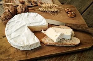 Queijo Brie harmonizam bem com espumantes Brut ou Rosés