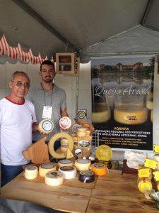 Reginaldo e Rey Kmam, produtores de queijo da microrregião de Araxá.