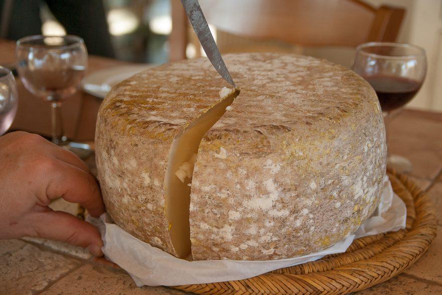 Como cortar o queijo